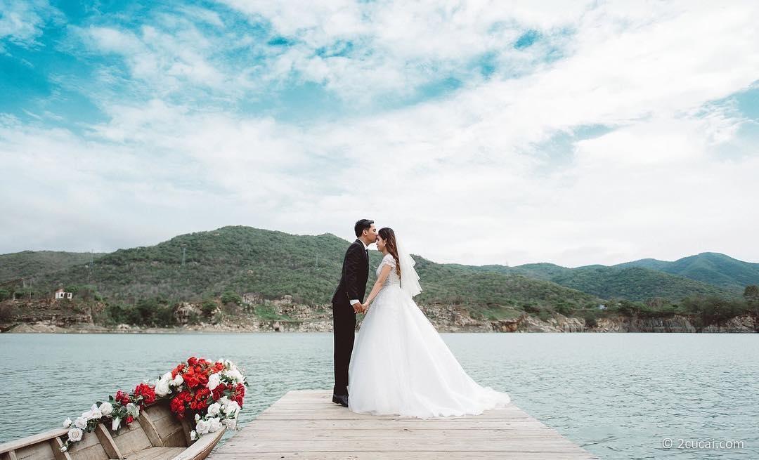Hồ Đá Xanh – không gian chụp hình cưới tuyệt vời