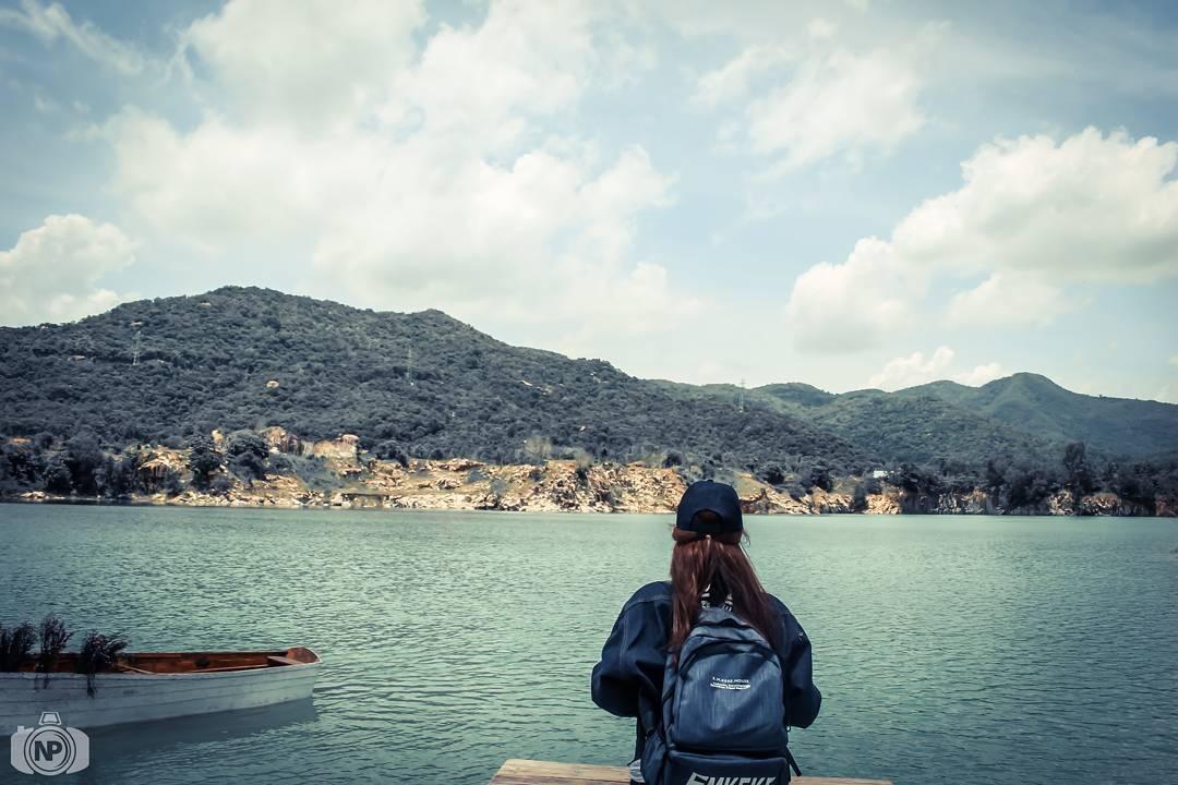 Lạc mình giữa Hồ Đá Xanh