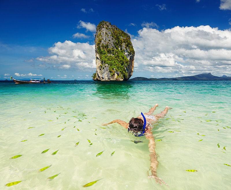 Dù bơi ở biển