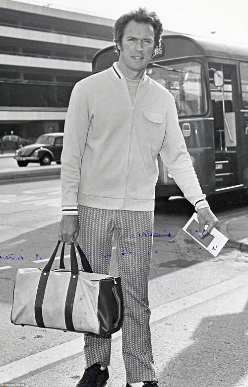 Tượng đài sống của điện ảnh Mỹ Clint Eastwood hồi còn trẻ. Bức ảnh chụp lúc ông đang chuẩn bị lên đường bay tới Mỹ.