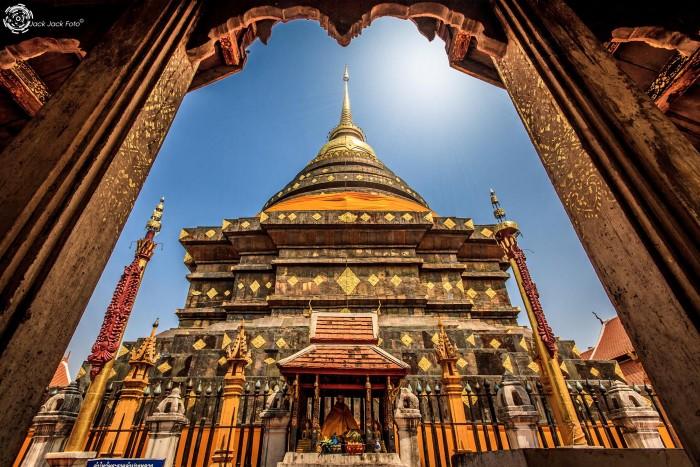 Chùa Phradhart nguy nga của Lampang