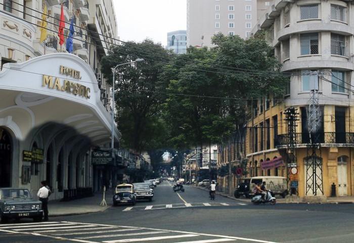 Những hình ảnh xưa và nay của Sài Gòn đã được nhóm dự án sưu tầm và ghép lại, trưng bày trong triển lãm ảnh nghệ thuật diễn ra vào cuối tháng 7 vừa qua.