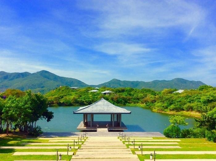 Căn nhà yoga giữa hồ