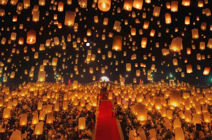 Rực rỡ lễ hội Yeepeng tại Chiang Mai