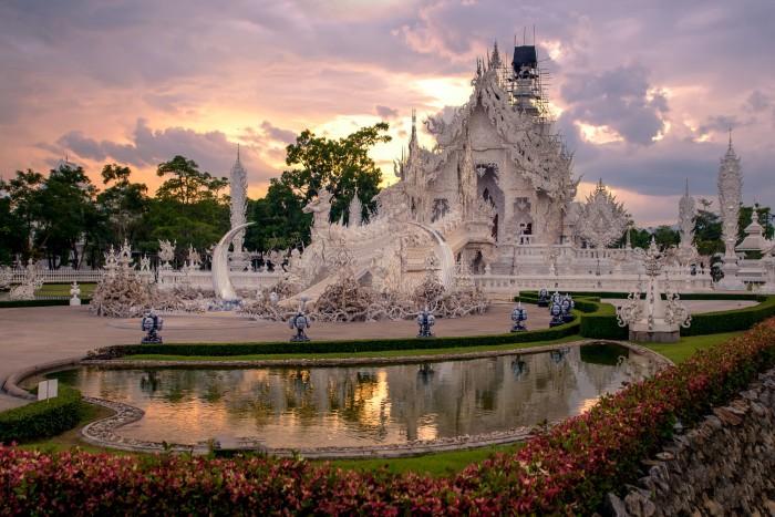 Ngôi chùa trắng huyền bí