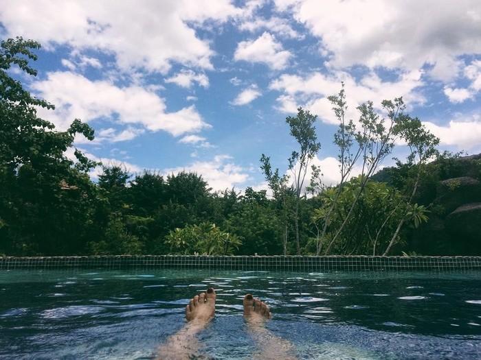 Tận hưởng những giây phút thư giãn tuyêt vời tại Công viên suối khoáng nóng núi Thần Tài