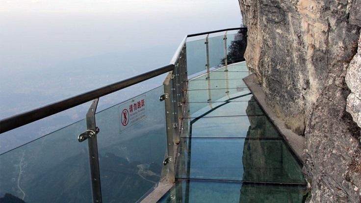 Cầu kính ở núi Thiên Môn – Trương Gia Giới, Trung Quốc