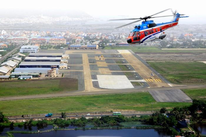 Bạn có thể đăng ký trải nghiệm bay với trực thăng ở ga hàng không sân bay Vũng Tàu
