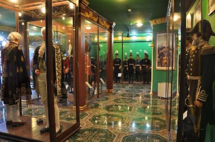 Bảo tàng vũ khí cổ cũng mang đến những trải nghiệm đặc biệt cho du khách muôn nơi