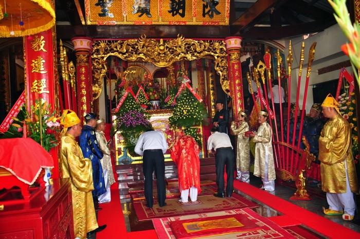 Lễ giỗ Thánh Đức Trần thể hiện lòng biết ơn các vị tiền nhân