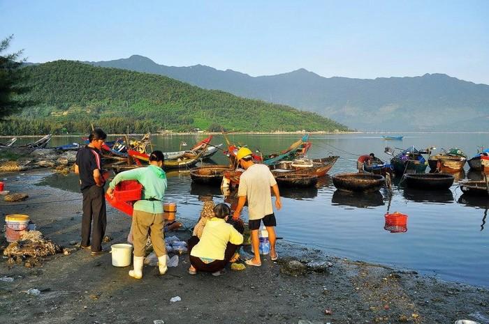 Hiểu thêm cuộc sống của ngư dân