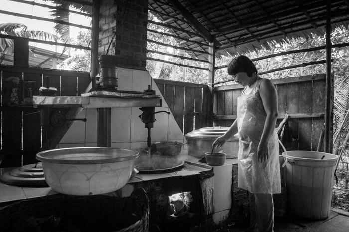 Làng nghề truyền thống sản xuất kẹo dừa