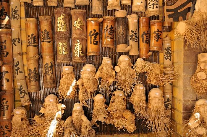 Tượng gỗ Hội An được làm từ rễ tre độc đáo