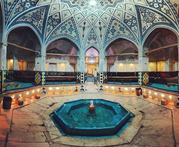 Sultan Amir Ahmad ở Kashan, Iran là nhà tắm công cộng được xây từ thế kỷ 16, dưới thời đế quốc Safavid
