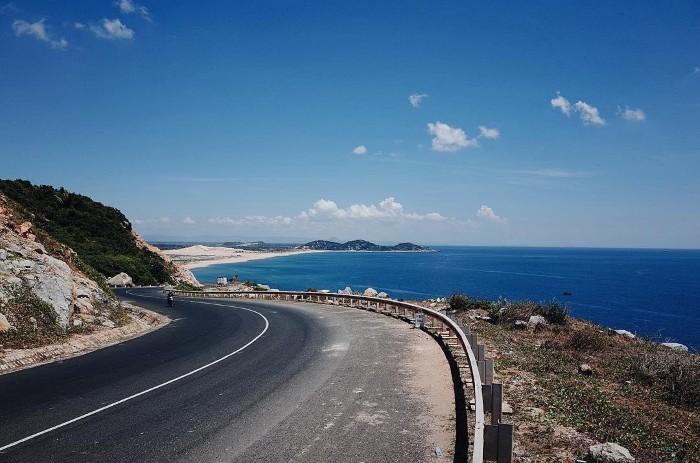 Mơ màng cùng những cung đường biển tuyệt đẹp trên nước mình - Ảnh: @__hoangnguyen__