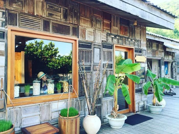 Nhưng không kém phần dung dị của phong cách làng quê Việt - Ảnh: karenjplin