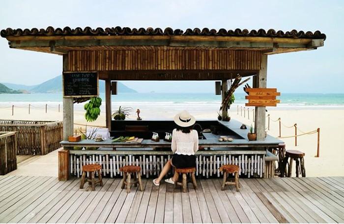 Nơi có những nhà hàng ven biển view đẹp mê ly - Ảnh: lovehyolee