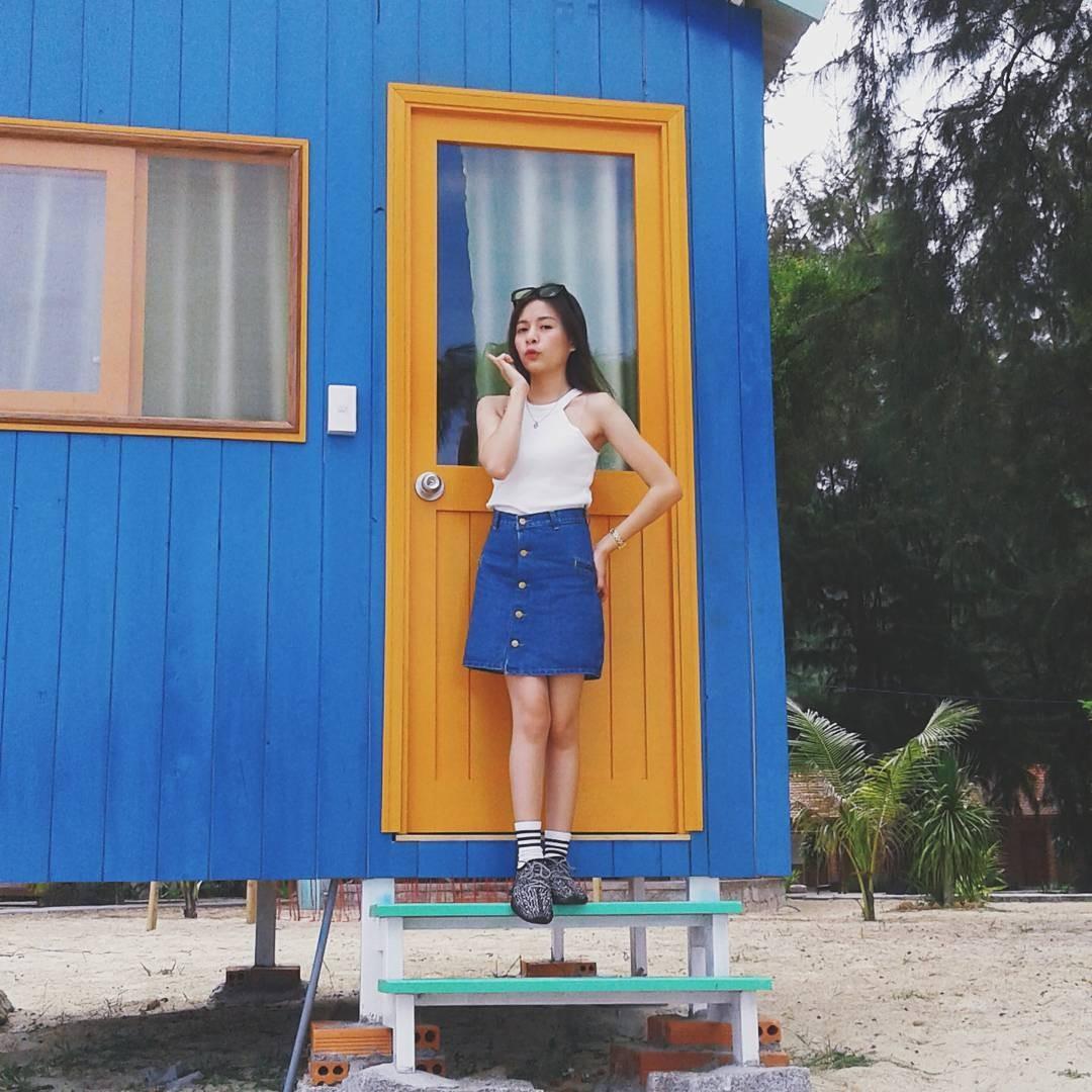 Bên những căn nhà gỗ nhiều màu sắc