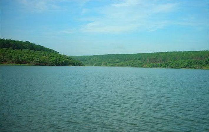 Thơ mộng hồ Suối Lam