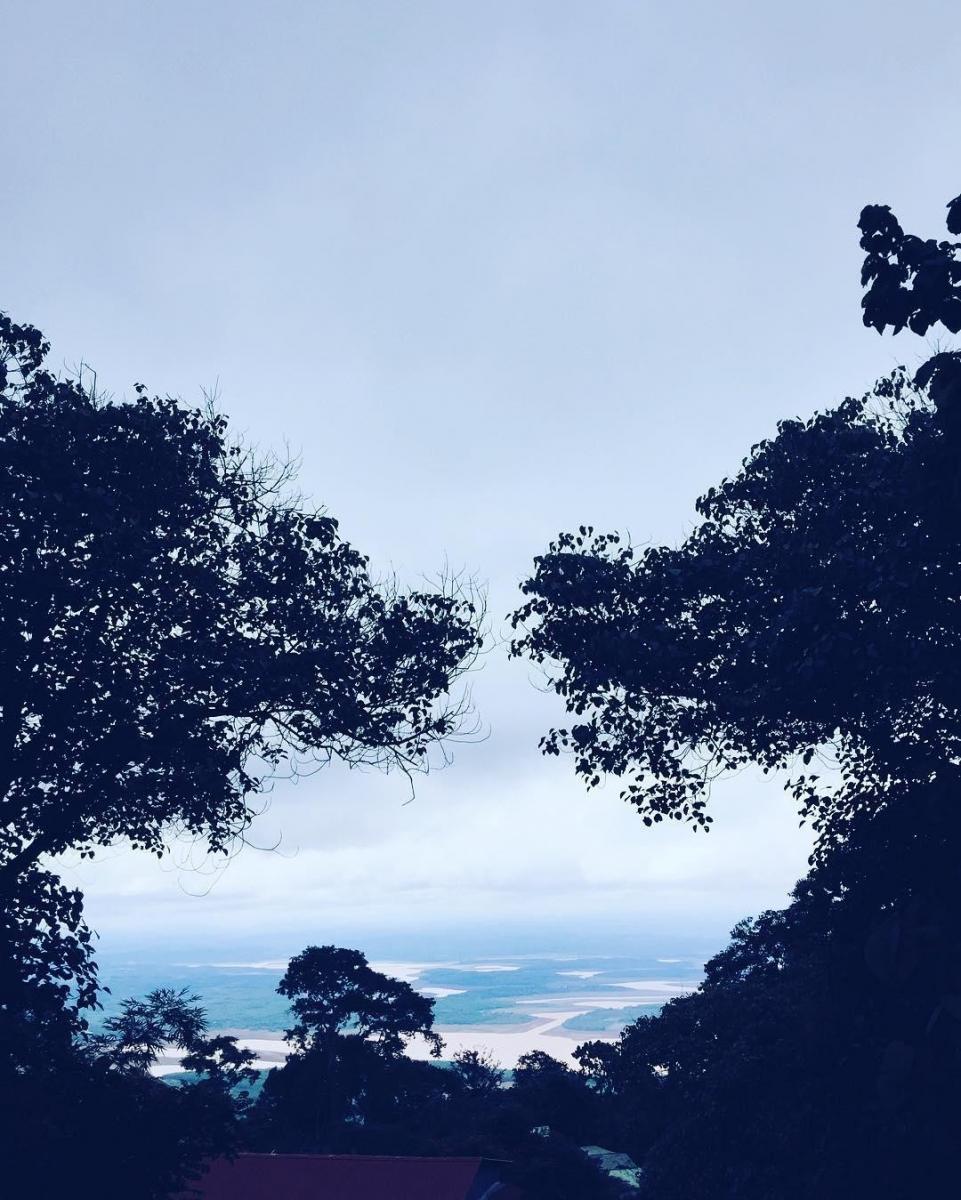 Khung cảnh nhìn từ núi Bà Rá