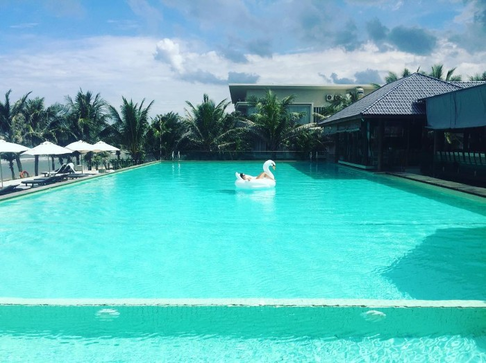 Villa Del Sol Beach Villas & Spa với hồ bơi rộng - Ảnh: alena_arlashina