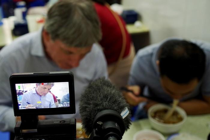 Sau bữa tối của tổng thống Barack Obama và đầu bếp Anthony Bourdain, quán ăn cũng như món bún chả Hà Nội lập tức nhận được nhiều sự chú ý.