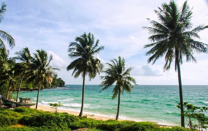 Hòa mình vào biển trời xinh đẹp ở Gành Dầu