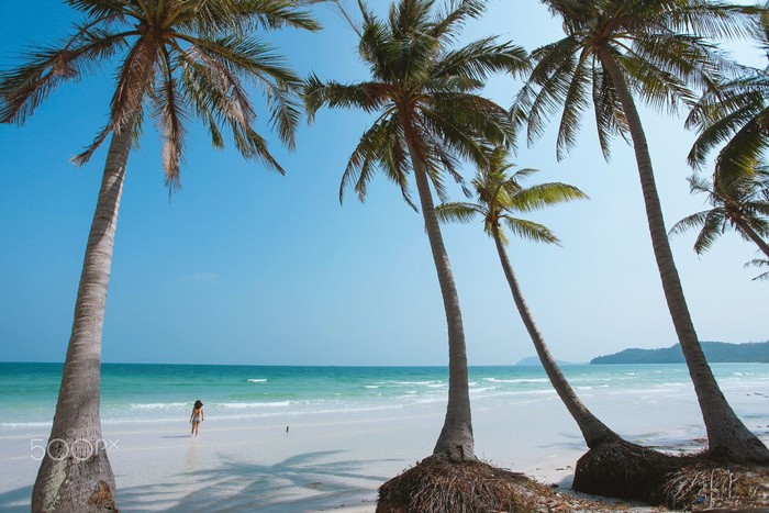 Cảm nhận cát êm nước mát trên đôi chân trần