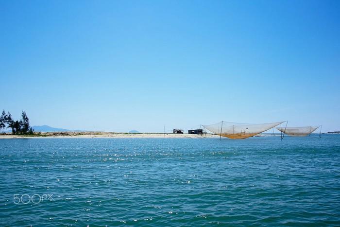 Biển Cửa Đại lấp lánh vui tươi ngày nắng