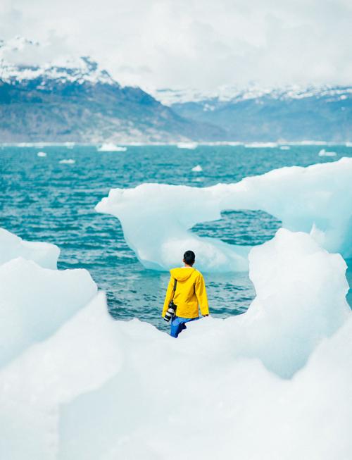 Alaska được dự đoán là có tới 100.000 sông băng, từ những dòng sông nhỏ cho tới các thung lũng phủ trắng băng giá.