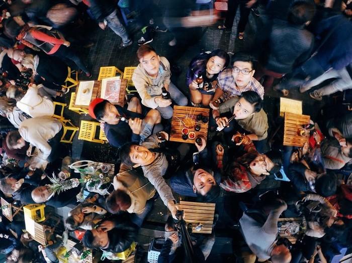 Không thiếu những bữa tiệc hội họp tại Tạ Hiện
