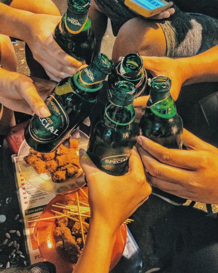 Tạ Hiện và bia khiến người ta gần nhau hơn