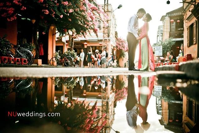 Giữa khoảnh khắc đời thường ở phố cổ bình dị, nàng sẽ rất bất ngờ khi nhận được lời cầu hôn từ bạn đấy