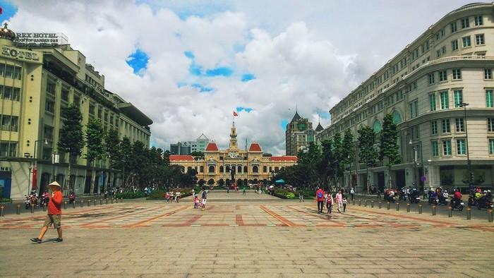 Phố đi bộ Nguyễn Huệ khu vực du khách có thể thoải mái sử dụng wifi miễn phí