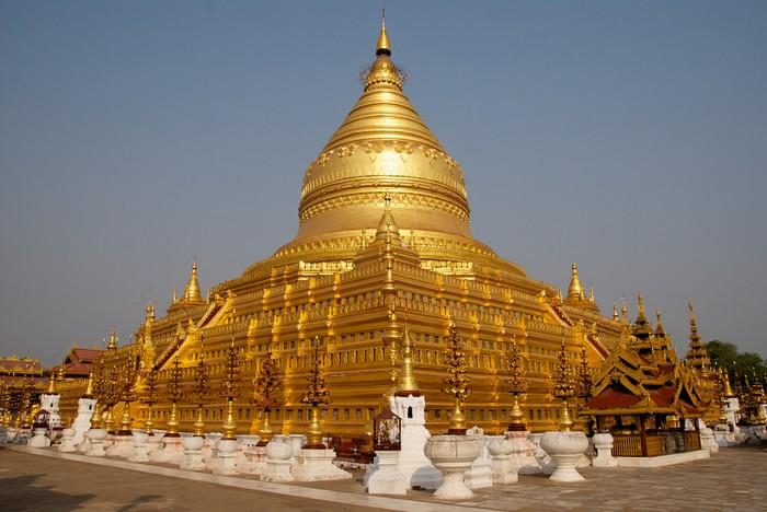 Shwezigonlà một ngôi chùa nổi tiếng tại Bagan.