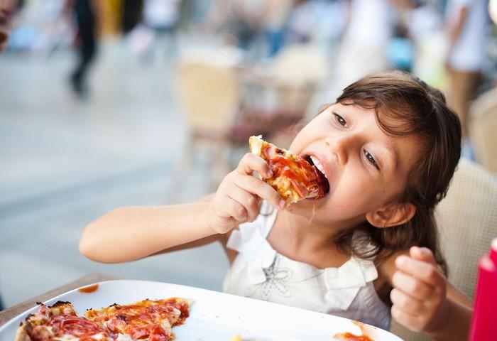 Cảm giác món ăn mình chọn sẽ ngon hơn món ba mẹ chọn