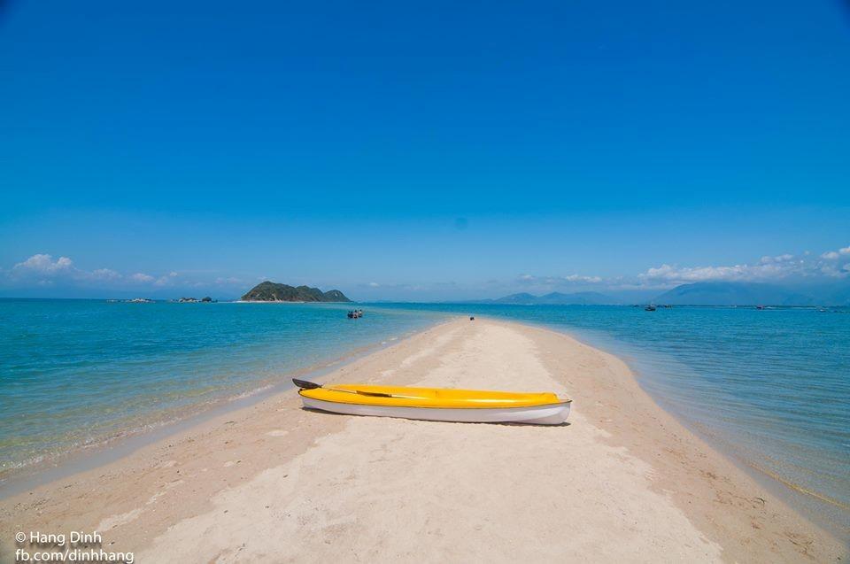 Điệp Sơn thủy đạo dẫn lối du khách giữa đại dương xanh