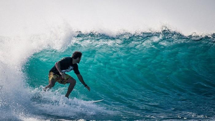 Lướt sóng là bộ môn thể thao được ưa chuộng tại Bali