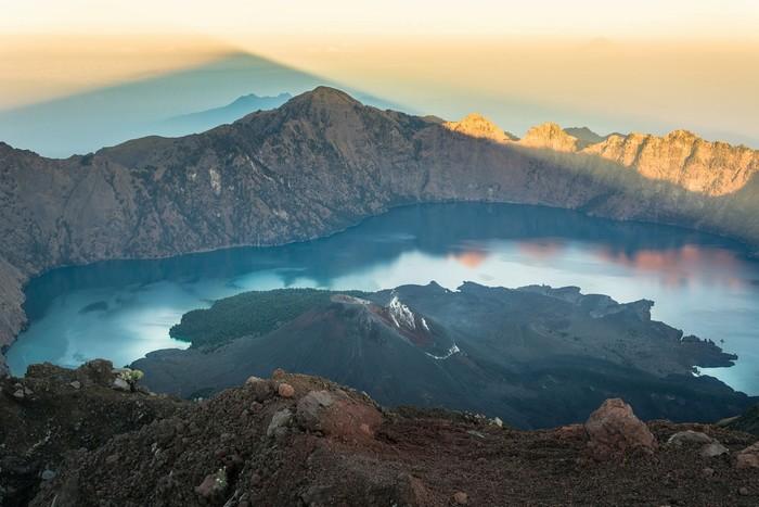Ngọn núi thiêng hùng vĩ giữa Lombok