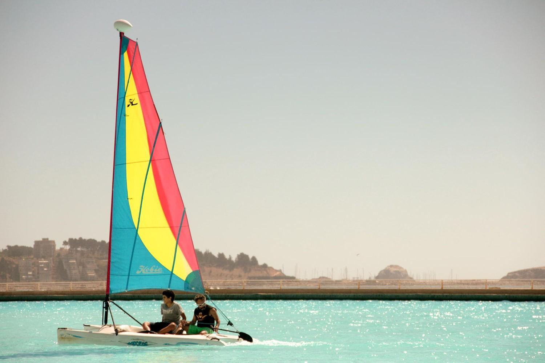 Nơi bạn có thể lướt thuyền buồm giữa bể bơi