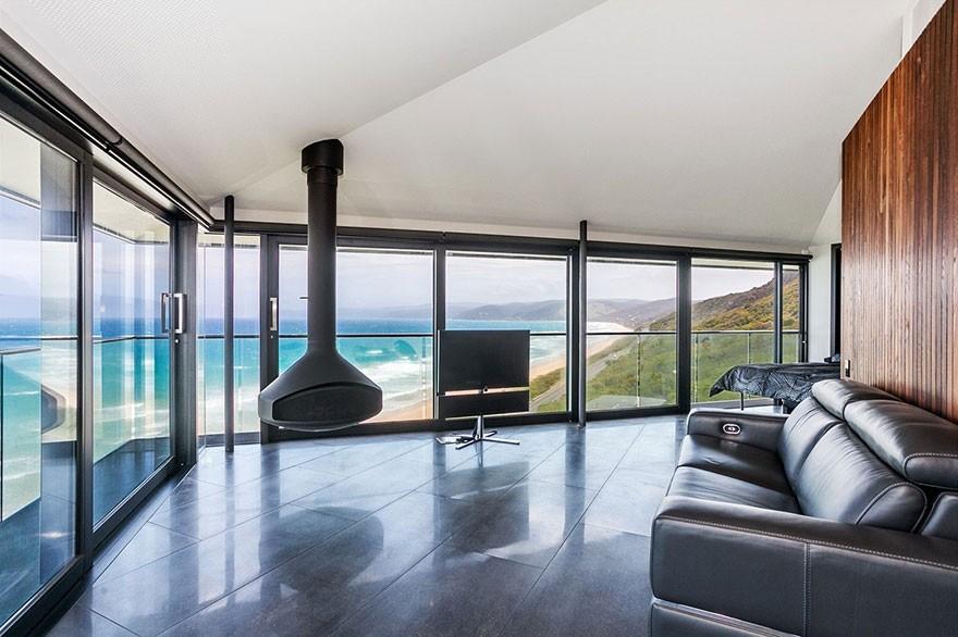 Đứng từ trong nhà vẫn có thể ôm trọn cảnh biển