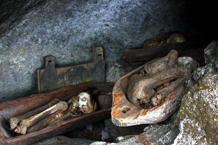 Những xác ướp được tìm thấy trong các hang động
