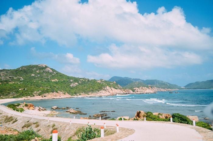 Đường trên đảo Bình Ba