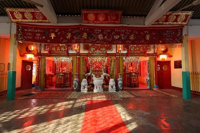 Đền thờ thể hiện tín ngưỡng lâu đời của người dân địa phương