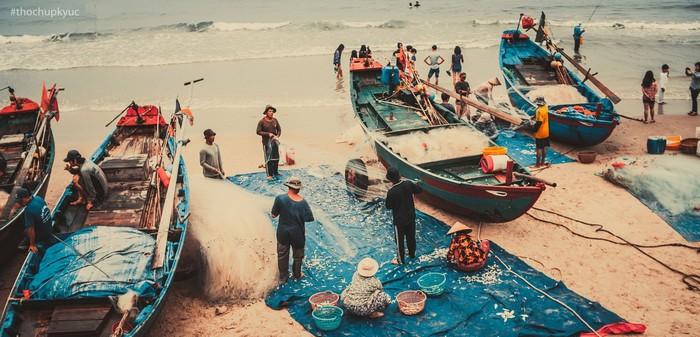 Nhịp sống thường nhật quen thuộc của ngư dân vùng biển