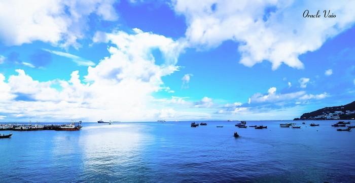 Để hưởng bầu không khí êm dịu của đại dương bao la