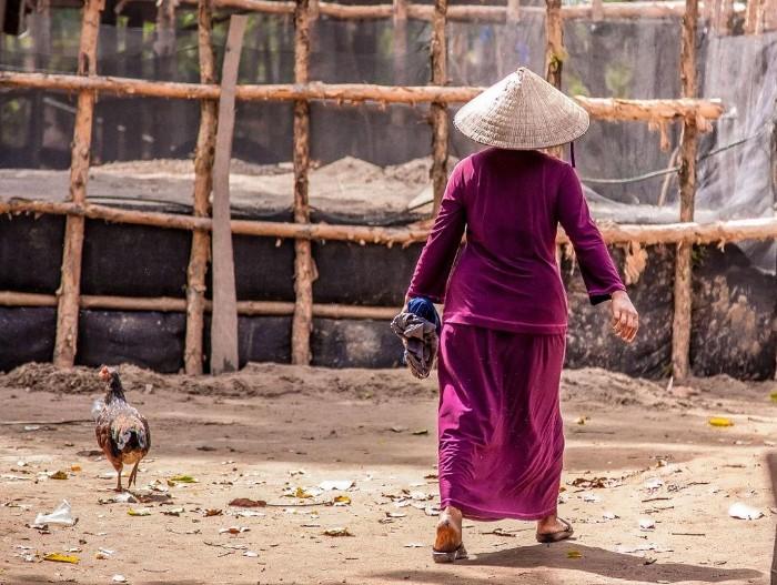 Trang phục của người Chăm tại Châu Đốc - Ảnh: Natalie Belikova