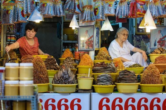 Mắm và khô – đặc sản tuyệt vời xứ Châu Đốc - Ảnh: Michael Cook
