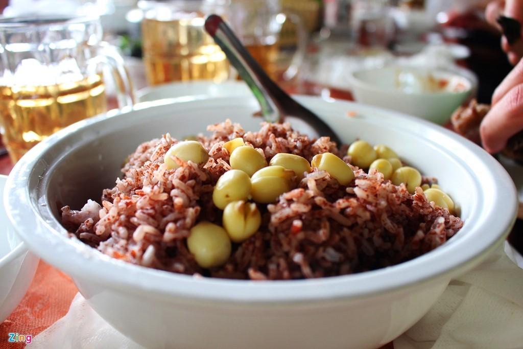 Không gì bằng cơm gạo lứt hạt sen miền Tây