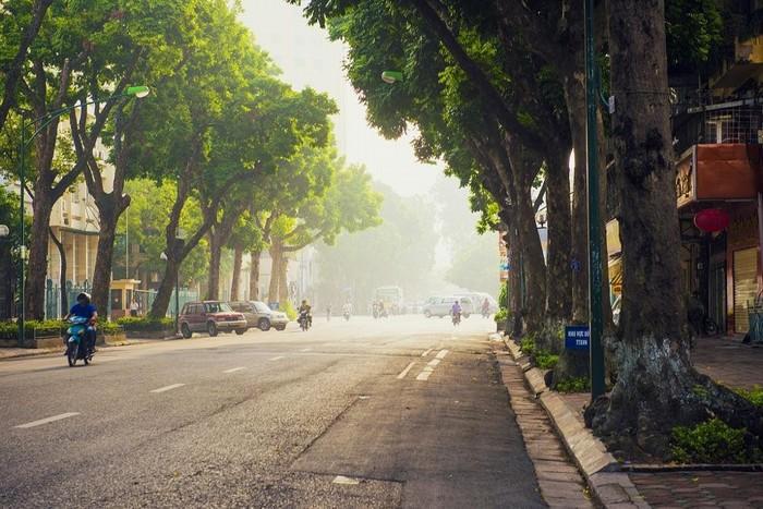 Hà Nội yên bình độ vào thu thích hợp cho người lớn tuổi đi du lịch